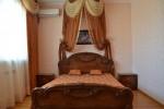 Гостевой дом Катрин - номер Люкс кровать 2